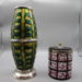 Antiquitäten in Basel: Gefässe grün und weiss pink
